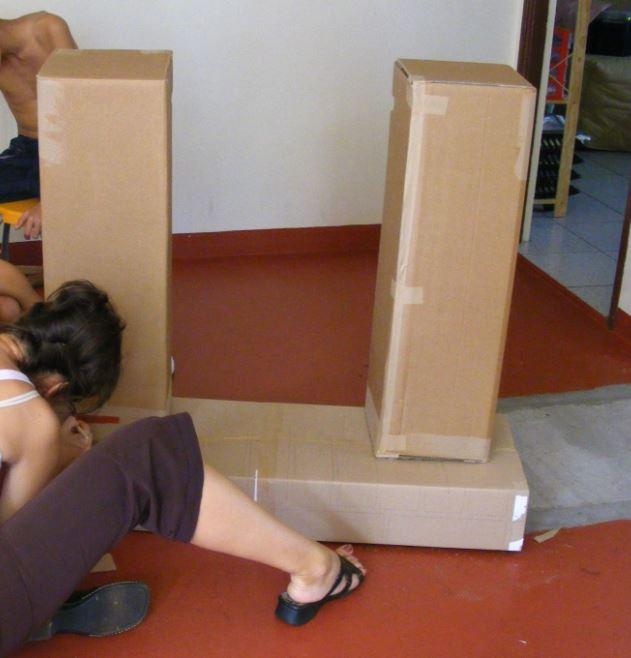 Construction d'une cheminée en carton : étape 1